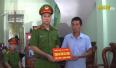 Trao thư khen và tặng quà gia đình Thượng sĩ Nguyễn Văn Mạnh