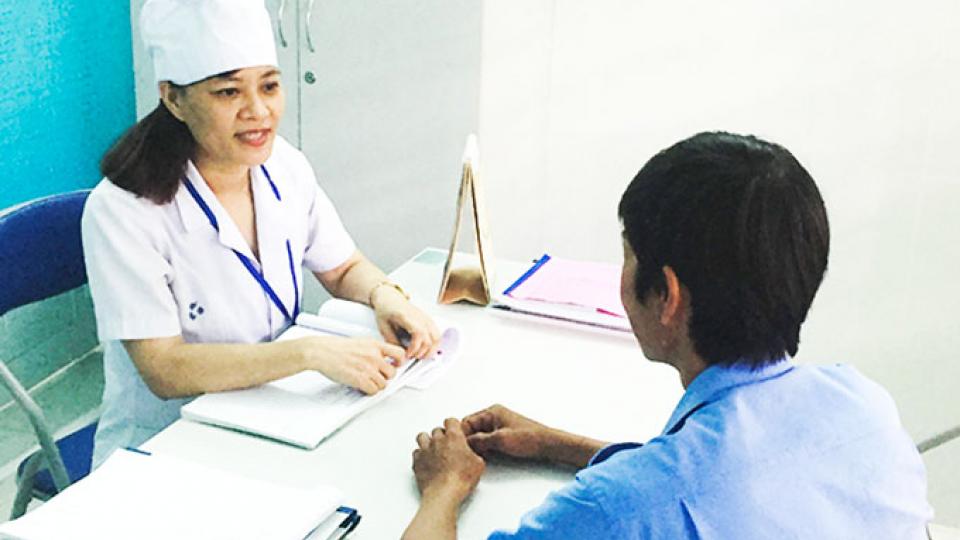 Chuyện cuối tuần: Quan tâm tới người có HIV