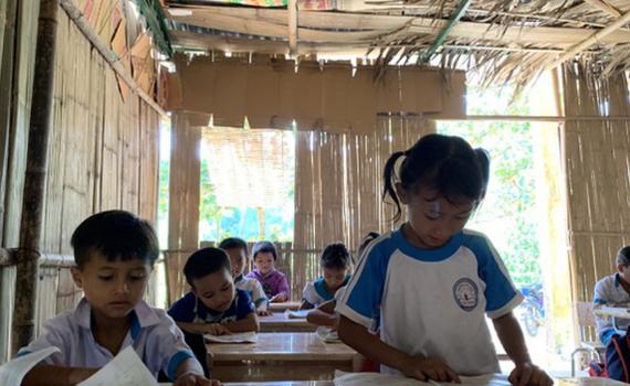 Kết nối nguồn lực xây dựng trường học an toàn, xóa nhà vệ sinh tạm bợ