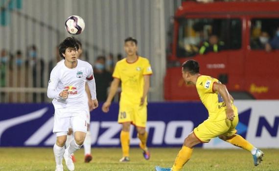 V.League 2021 thi đấu hối hả vì đội tuyển Việt Nam