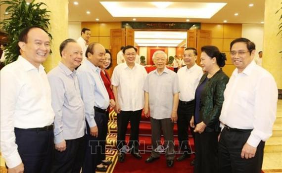 Bộ Chính trị xem xét phương án nhân sự Đại hội của Hà Nội và 19 Đảng bộ