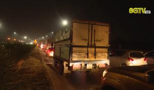 """Cao tốc Hà Nội - Bắc Giang: """"Nút thắt cổ chai"""" khiến giao thông liên tục ùn ứ"""