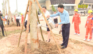 """Hưởng ứng chương trình trồng 1 tỷ cây xanh """"vì một Việt Nam xanh"""""""