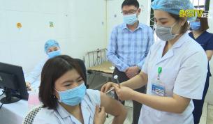 Ngày đầu tiên tiêm vắc xin phòng Covid- 19 tại Bắc Giang