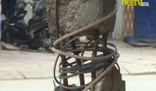 TP Bắc Giang: Cột điện hỏng khiến người dân lo lắng